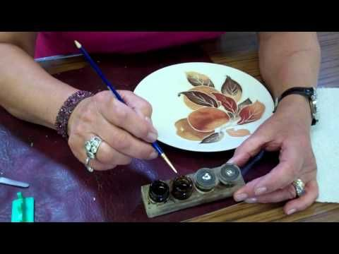 This video lesson shows Jackie Halhead, UK demonstrating how to gild I-Relief that she has trailed onto the surface of a plaque and then fired!