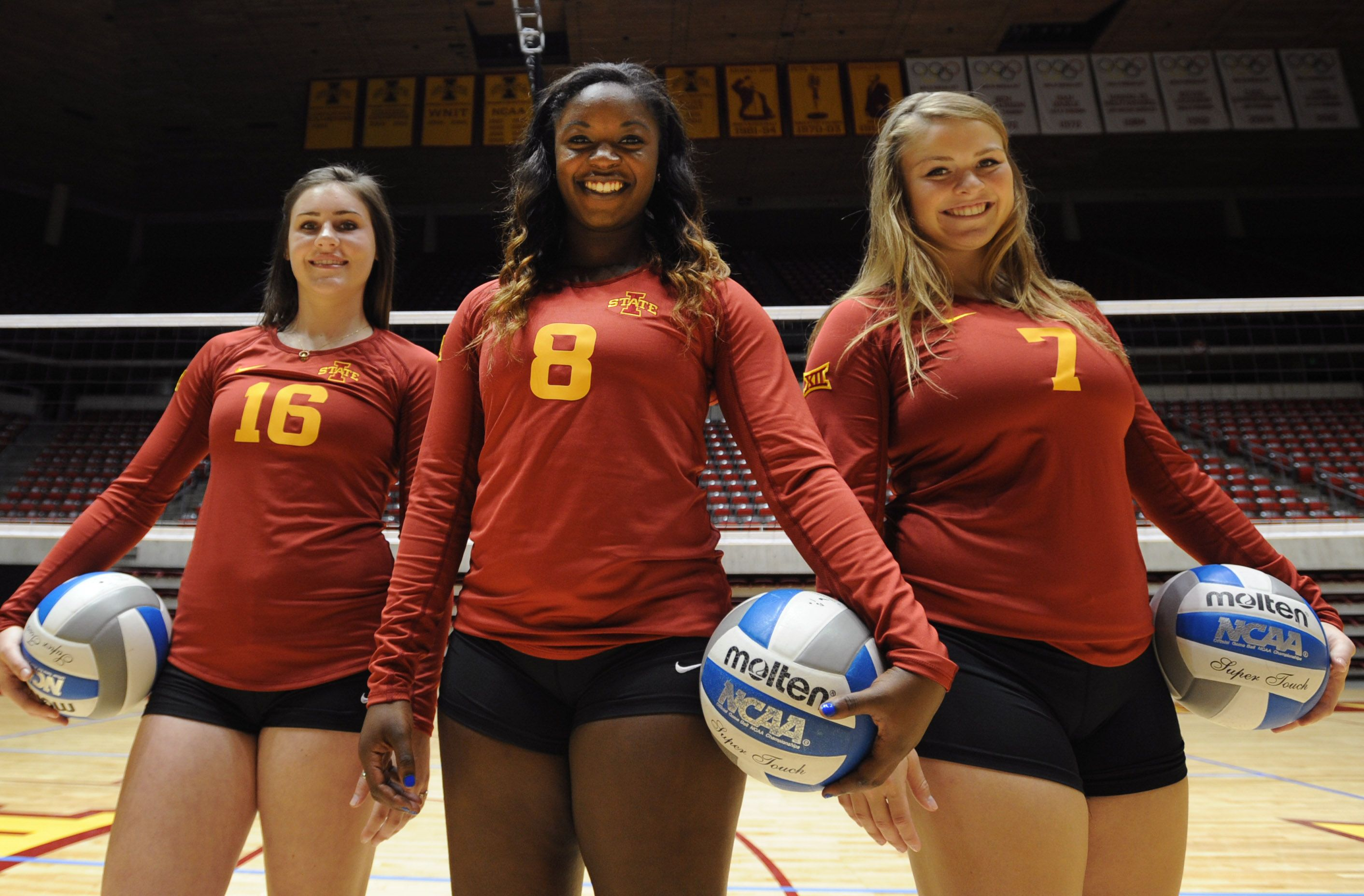 Branen Berta Monique Harris And Caitlin Nolan Are The Candidates To Replace All American Libero Kristen Hahn Fo Iowa State Cyclones Volleyball Team Iowa State