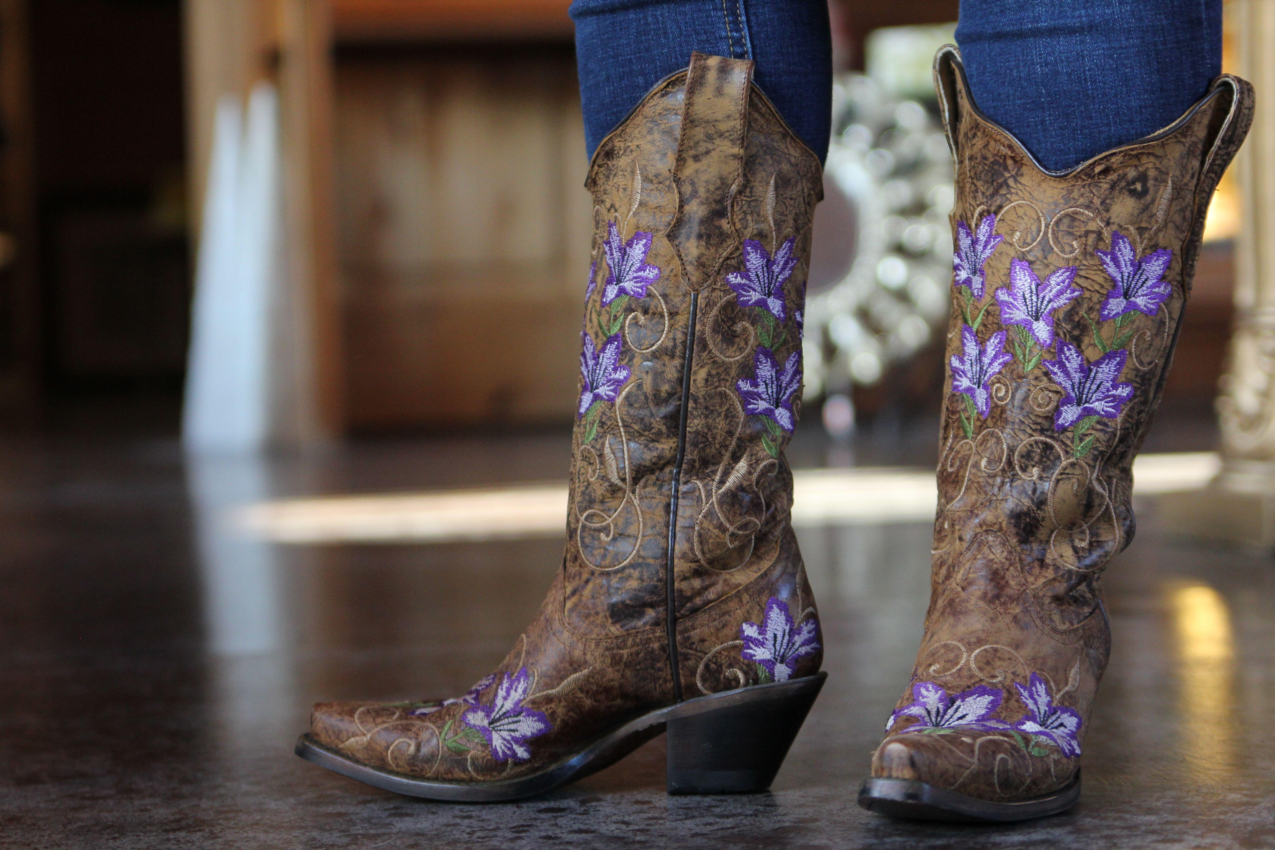 Corral Brown Purple Flowers R1076 Purple Cowboy Boots Boots Cowgirl Boots