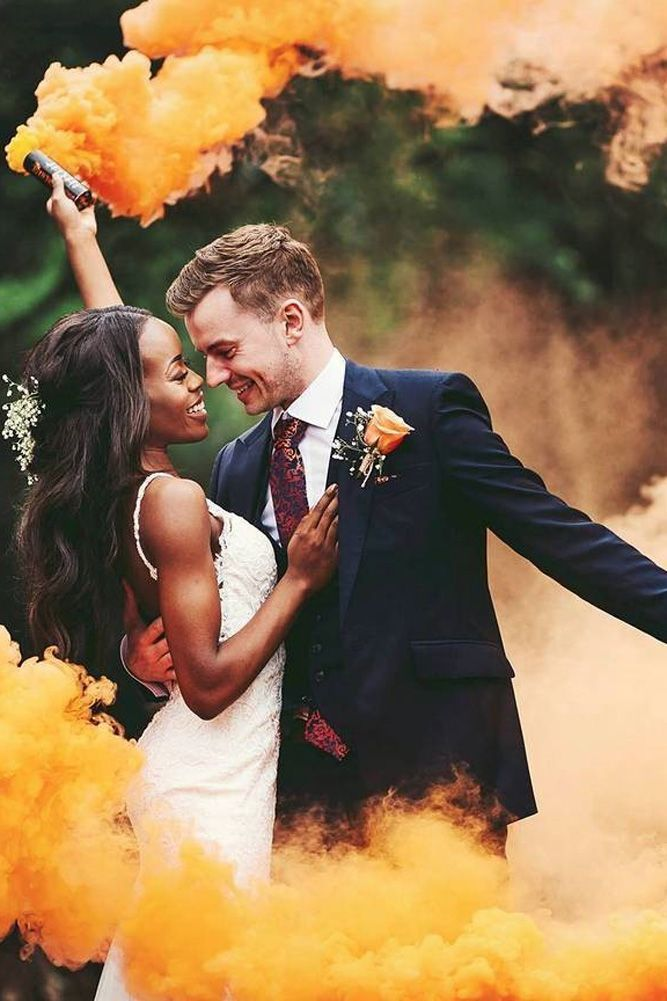 18 Creative Wedding Entourage Photo Ideas | Wedding Forward