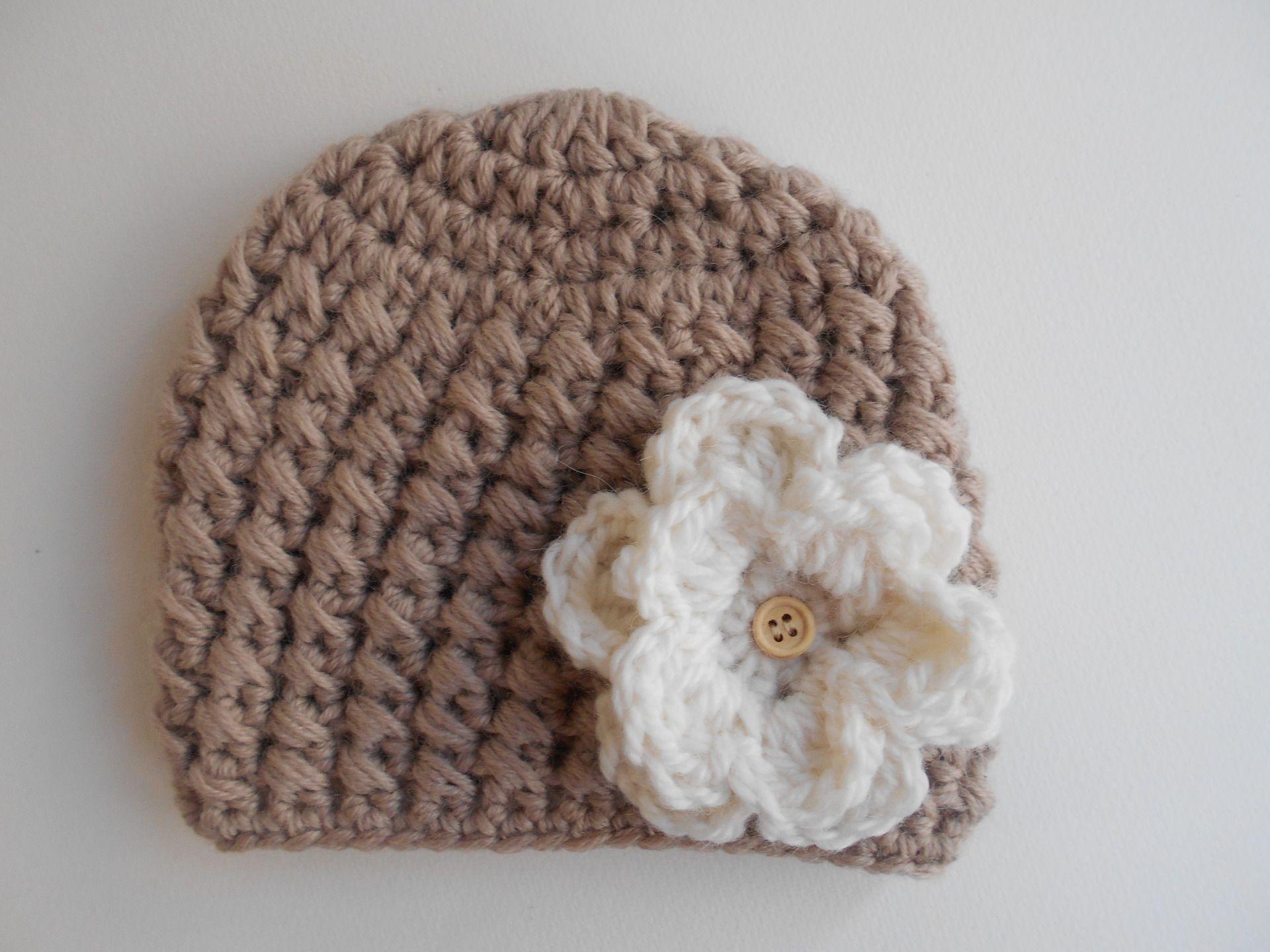 65c22e44b9de0 bonnet bebe fille 100%laine vierge beige et blanc fait main au crochet :  Mode Bébé par chtiewie