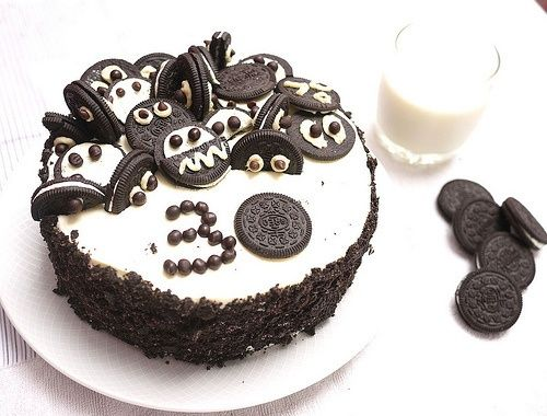 Oreo Cake Oreo Powder Decoration And Little Oreo Monsters On Top