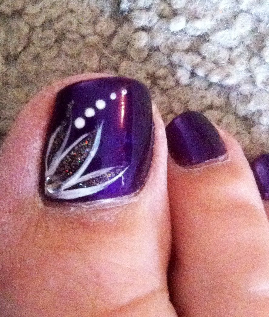 Wedding Nail Ideas For Summer: Summer Nail Art - Royal Purple With Flower