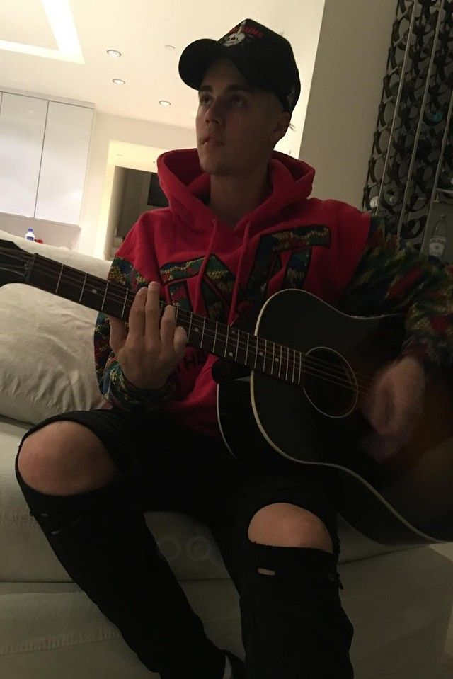 a48e70f01 Justin Bieber wearing The Money Team Moneyflage Hoodie, ANDSUNS ...