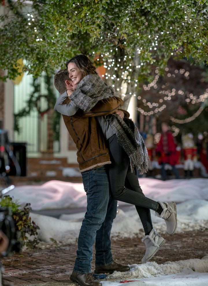Taylor Cole Christmas In Homestead.Photos From Hallmark S Christmas In Homestead Filmed In