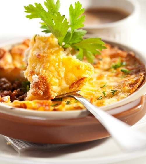 60 Quick And Easy Comfort Food Recipes: Traditional Old Time Shepherd's Pie Made With Beef Broth
