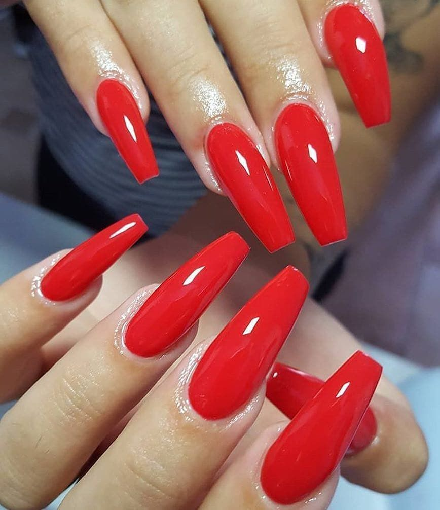 Easy And Stylish Red Nails And Red Nail Polish Designs For 2019 Red Nails Red Nails Acrylic Red Nails Desig Red Nails Glitter Vintage Nails Red Nail Designs