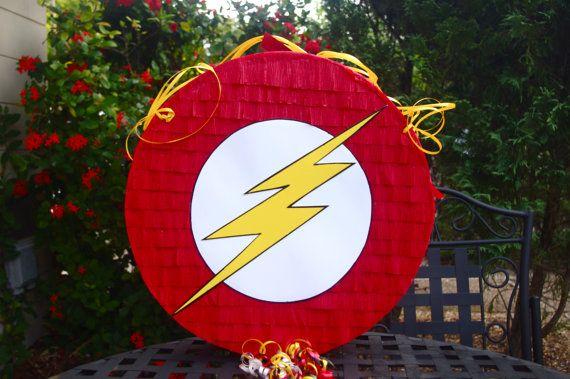 Flash Pinata superhéroe inspirado por AbdisPinataShop en Etsy