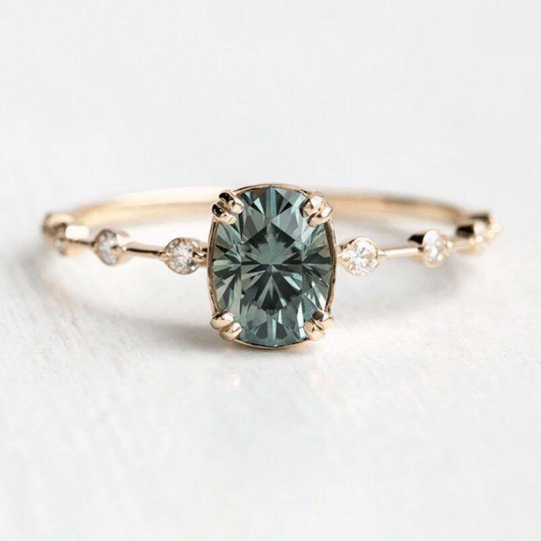 Estos 28 anillos de compromiso de zafiro te harán soñar con la boda