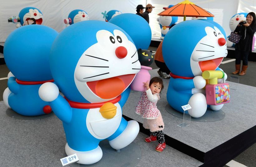 100 Doraemon figures greet tourists in and around Hakone. HAKONE, Kanagawa Prefecture--With the spring tourism season just around the corner, 100 life-size figures of the popular Doraemon character are greeting visitors at one of Japan's major hot spring resorts.