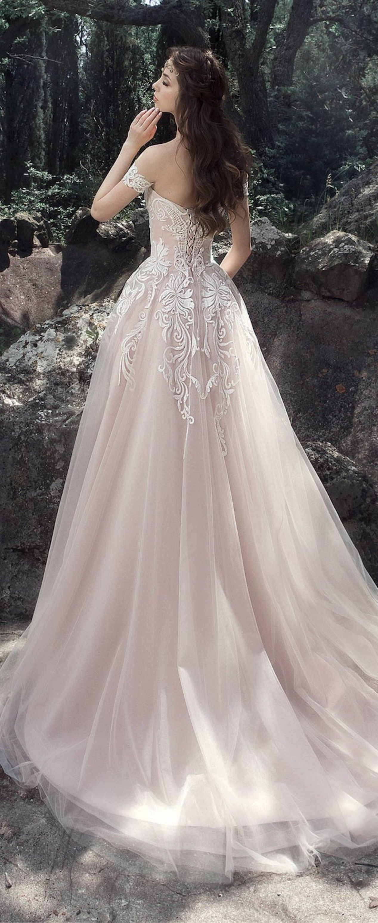 Lovely  Breathtaking Disney Princess Wedding Dress to Fullfill your Wedding Fantasy