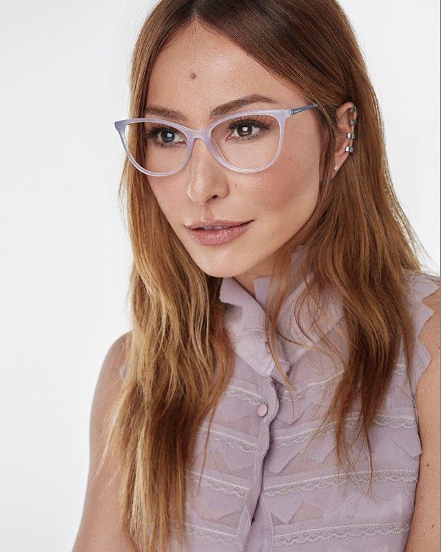 ddbb79573 A apresentadora @sabrinasato lança sua primeira coleção óptica de sua marca  própria: Sabrina Sato