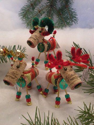 WINE CHRISTMAS ORNAMENT  Winedeer ™ Very Merry von WineToTheNines