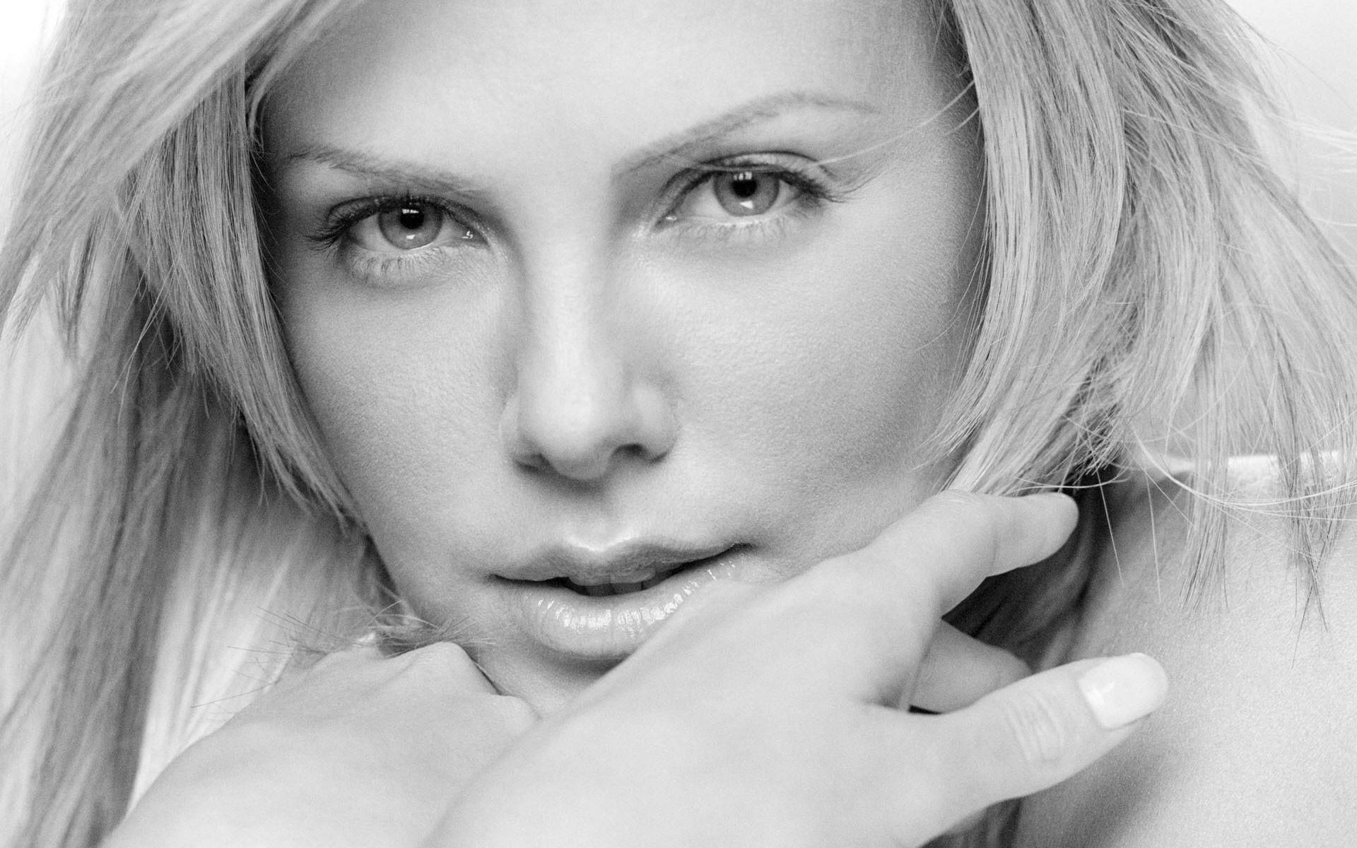 Charlize Theron Style Oscars Hd Wallpapers 1080p For Mobile