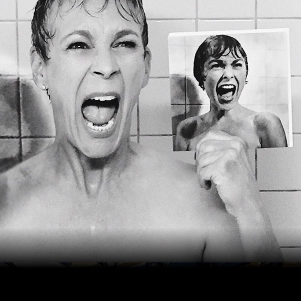 Psycho shower curtain scene - Check This Out Jamie Lee Curtis Recreates Her Mom S Iconic Shower Scene From Psycho