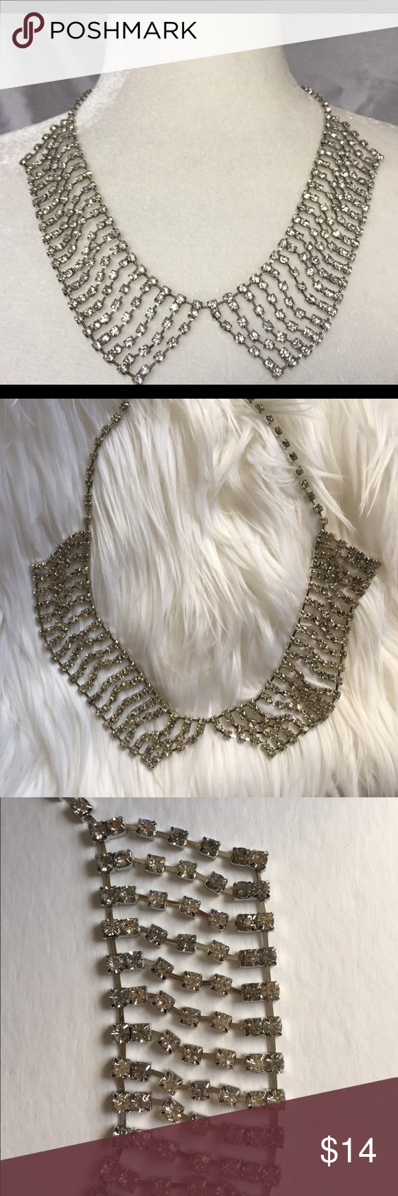 Rhinestone peter pan collar necklace NWT🎁🎄 -NWT -gorgeous, sparkling rhinestone Peter Pan style necklace -20in. long including extender -silver tone Jewelry Necklaces