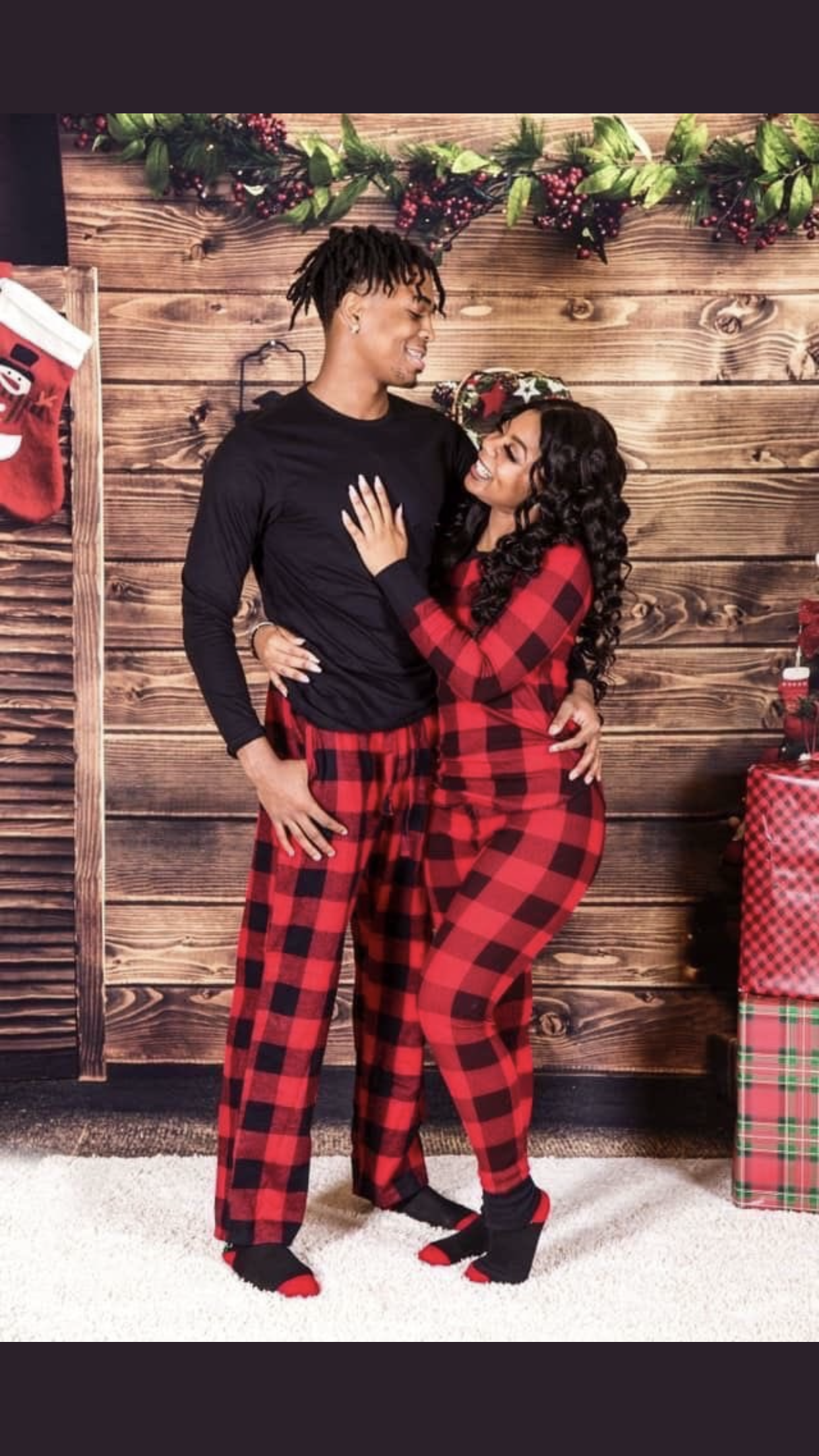 ️ -   17 christmas photoshoot couples black ideas