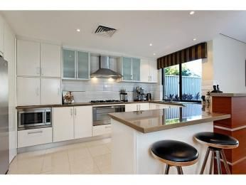 Bench Colour And Glass Cupboard Fronts Modern U Shaped Kitchen Design Using  Granite   Kitchen