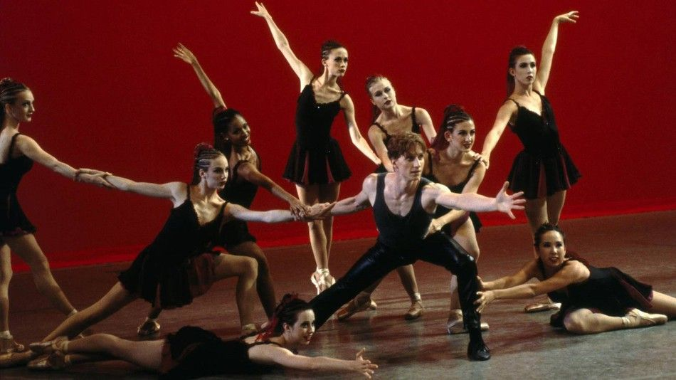 Center Stage Is A Movie About A Group Of Teenagers Enrolled At The American Ballet Academy Who Each Dream Of Bei Center Stage Movie Center Stage Recent Movies
