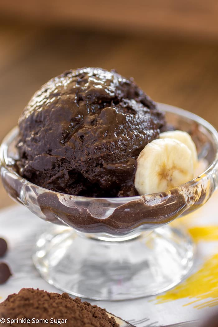 Dunkle Schokoladen Bananen Eis In 2020 Chocolate Banana Ice Cream Banana Ice Cream Chocolate Banana
