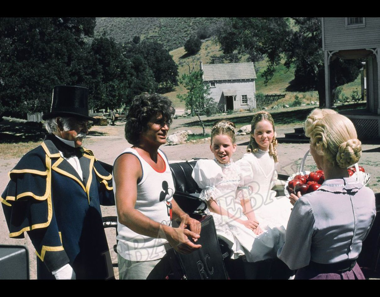 little house on the prairie melissa gilbert michael landon in set