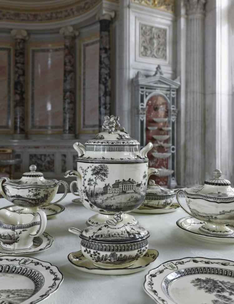 » A table, les tsars !http://www.mu-inthecity.com