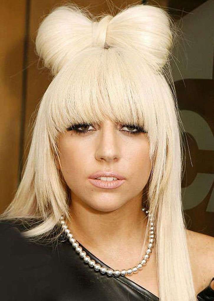 20 Weird And Funny Celebrity Hairstyles Pouted Com In 2020 Huge Hair Lady Gaga Wig Celebrity Hairstyles