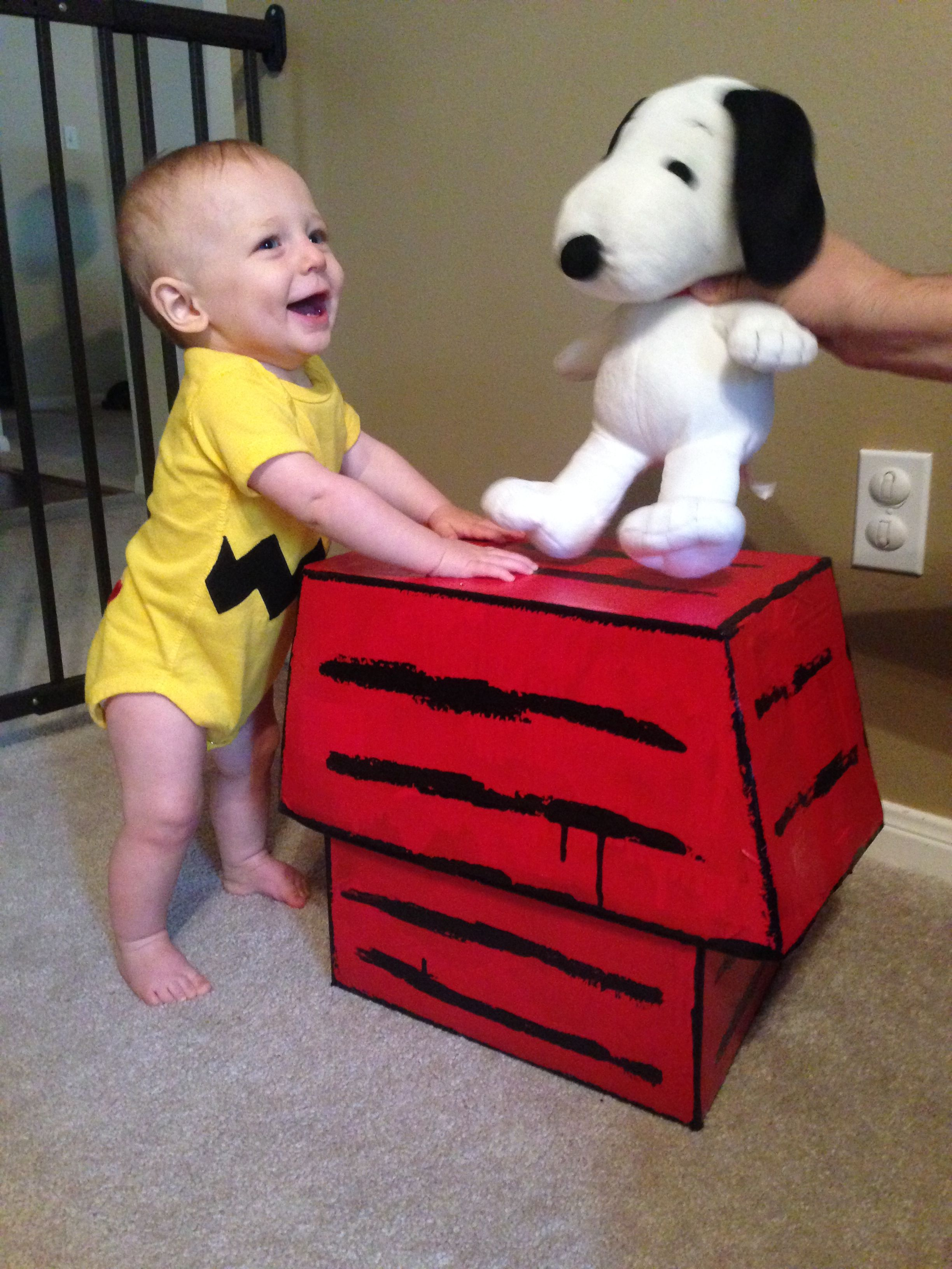 Boys Toddler Halloween Costume Charlie Brown The dog house was ...