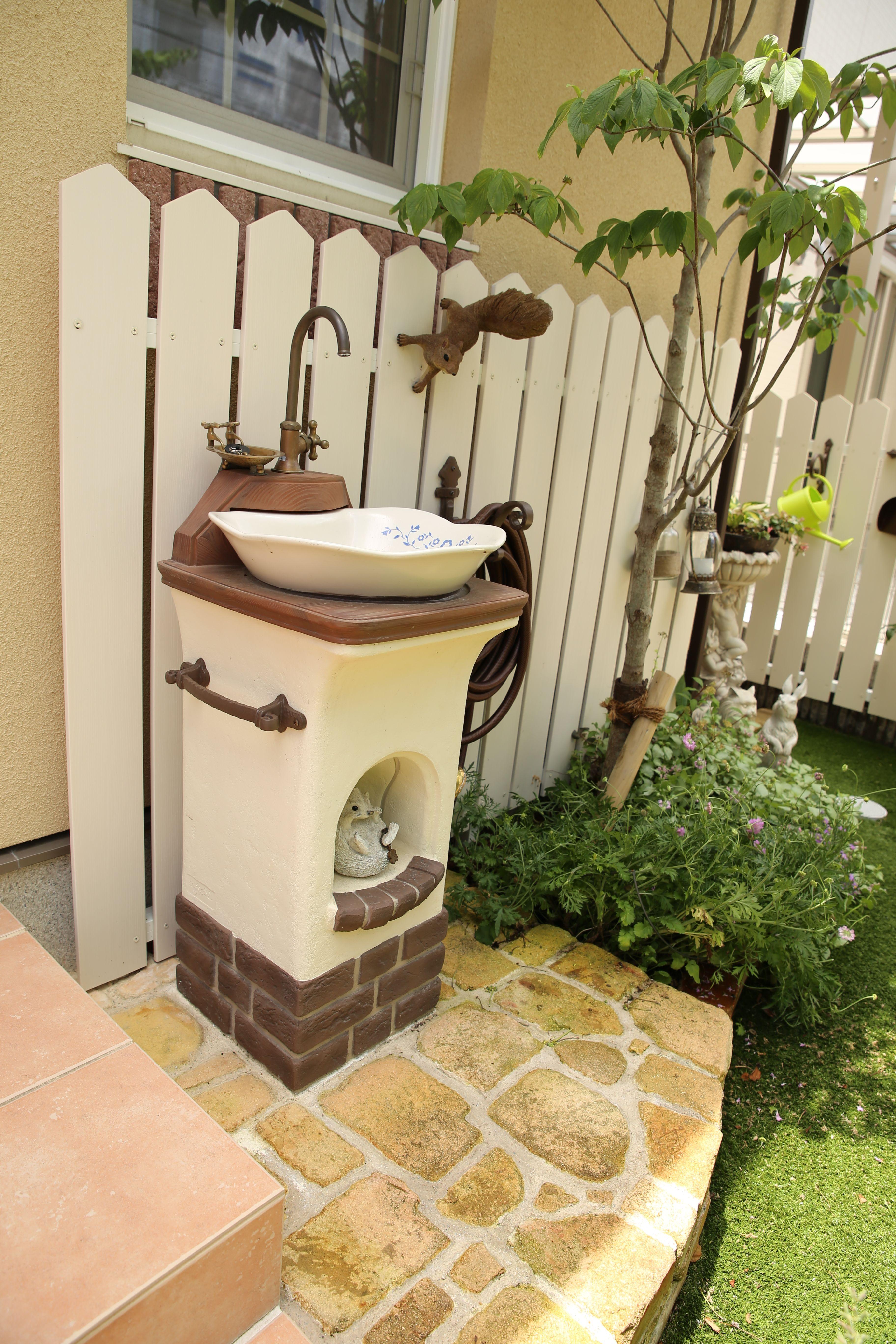 可愛い立水栓リリー 庭 お庭 ガーデンシンク