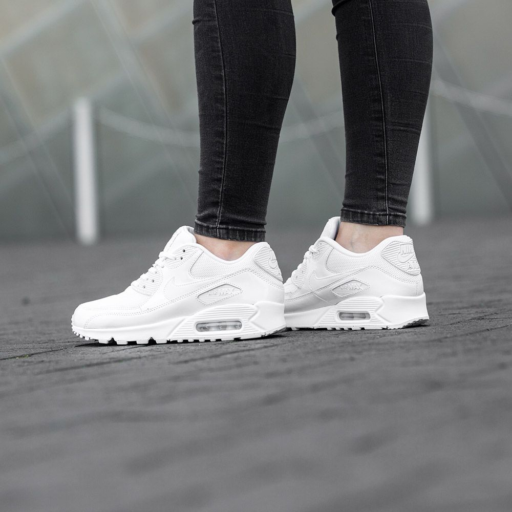 Keep it fresh in the Nike Womens Air Max 90 Premium Trainer