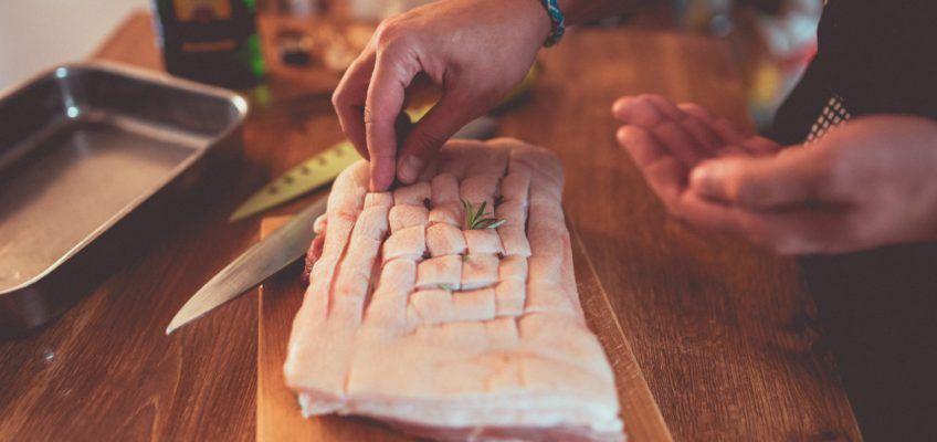 Becher's pomaly pečený bôčik s koreňovou zeleninou