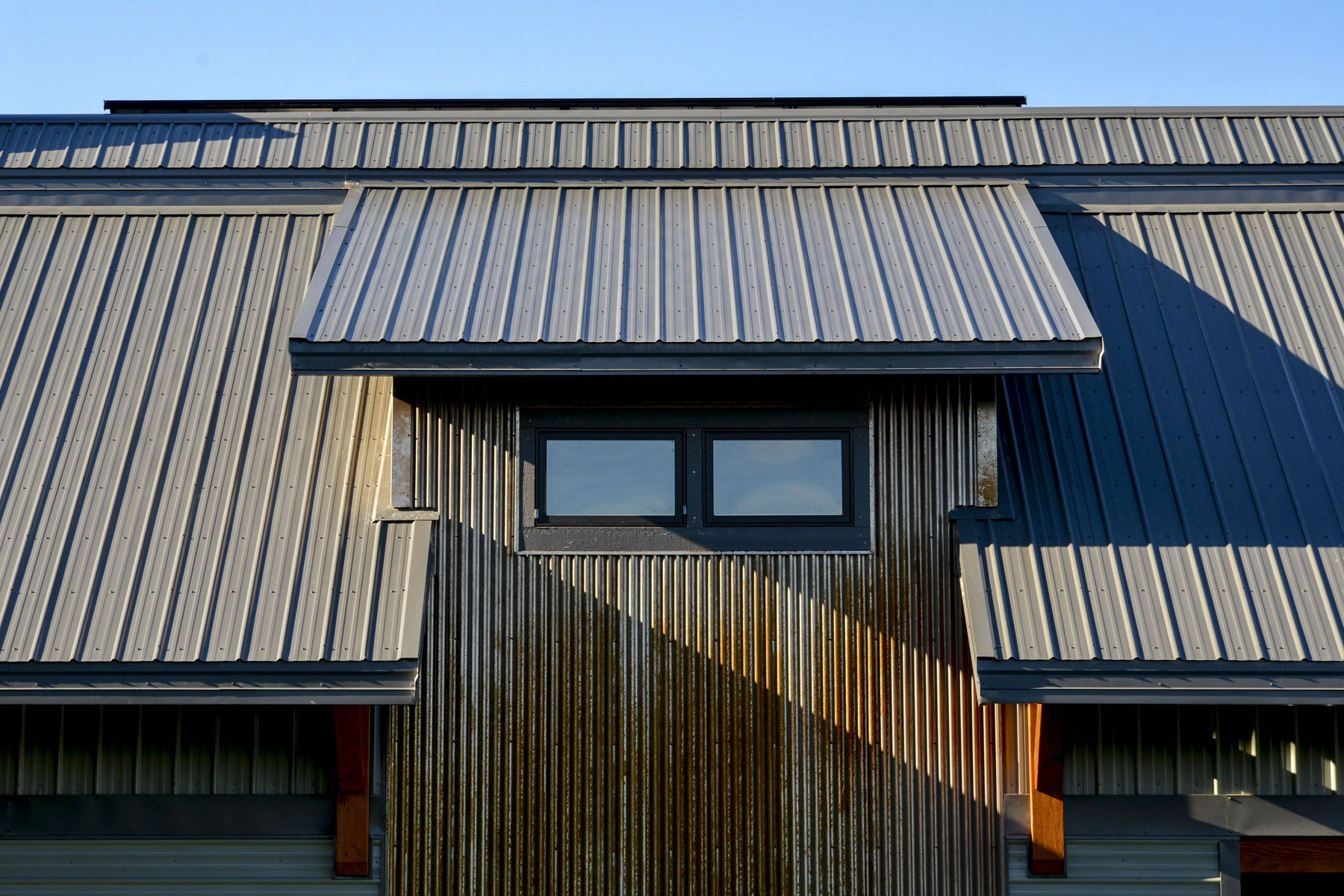 Tuff Rib Metal Roofing Paired With A606 Corrugated Siding Metal Roof Roofing Ribbed Paneling
