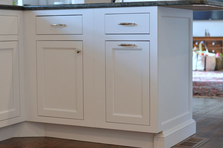 White Kitchen Cabinet End Panel And Baseboard Kitchencabinetsendpanels Kitchen Cabinets End Panels White Cabinetry Kitchen Cabinets