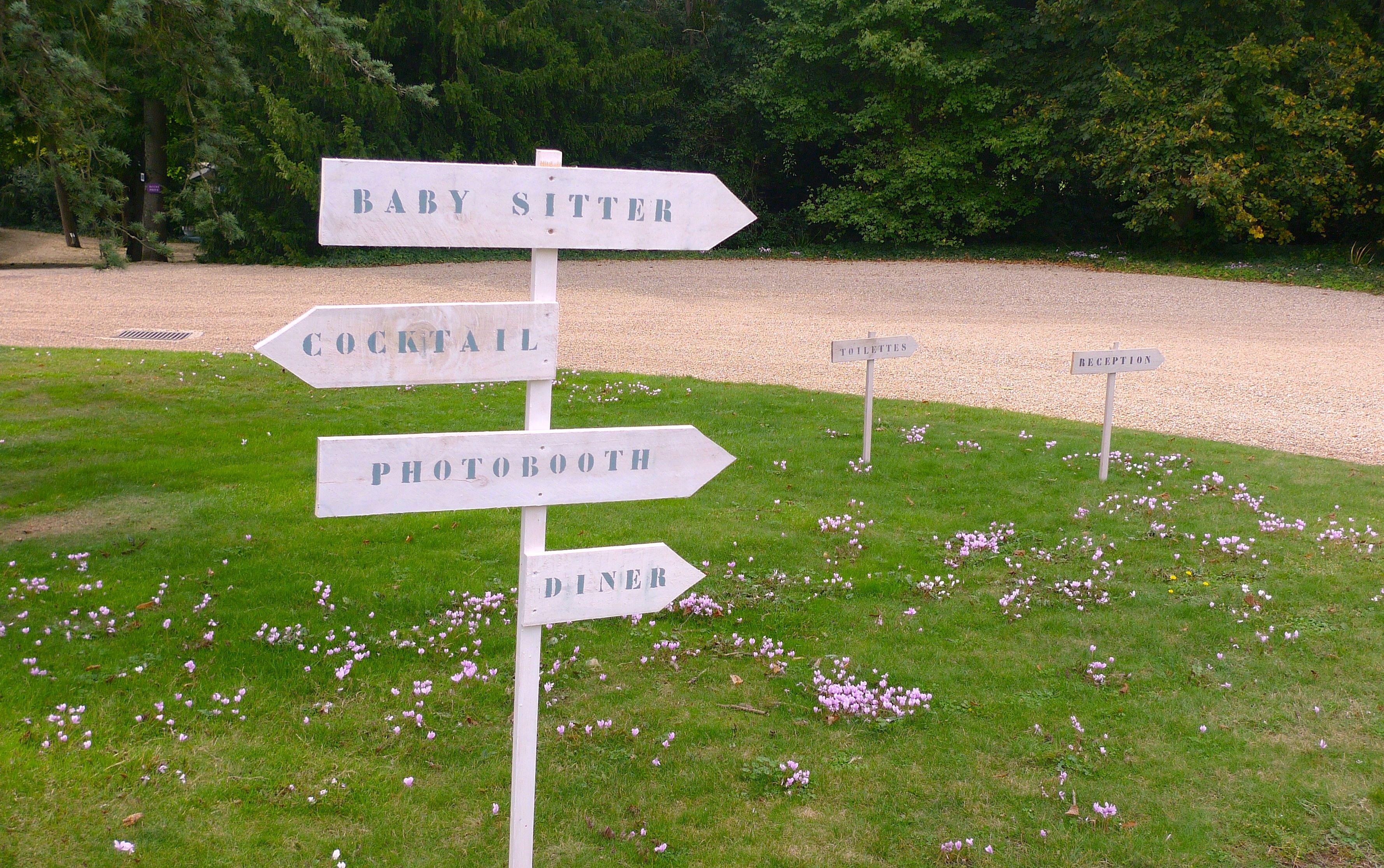 Retrouvez vous avec ces jolies panneaux dans notre parc de 5ha au coeur de Poitiers. www.goodmoon.fr