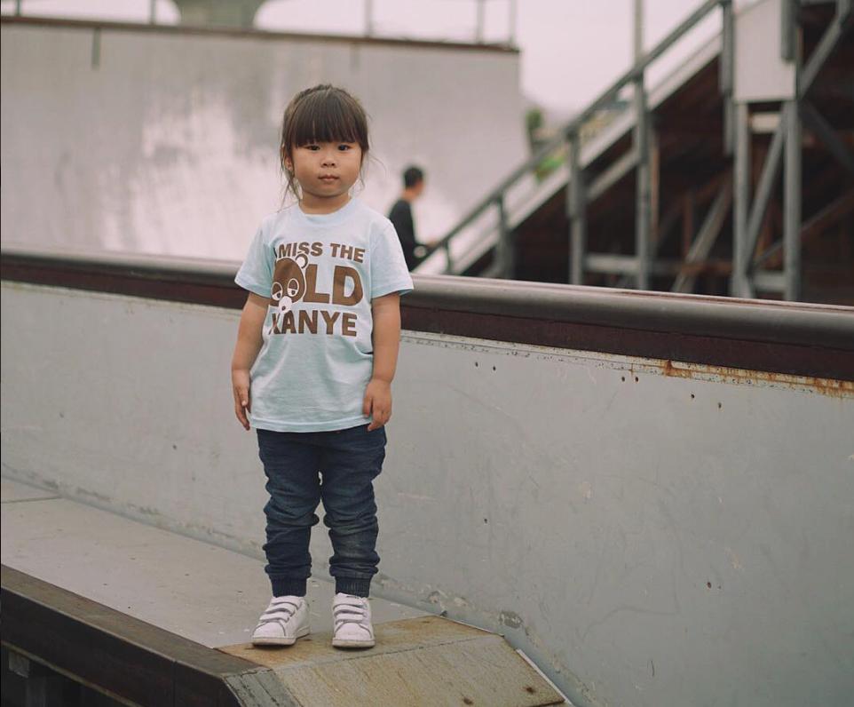 Shirt der Woche. Ach was, Shirt des Jahres.   Ja, es gibt sie: die Generation Sneakerhead mit Kids. Ich gehöre selbst dazu und kaufe sc...