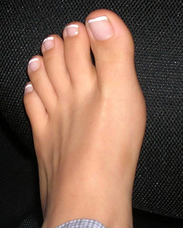 Such Pretty Toes  French Pedicure Toes  Gorgeous Feet -9114