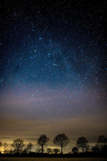 خلفيات جوال السماء ليلا مع النجوم خلفيات عالية الدقة مداد الجليد Black Background Wallpaper Background Beautiful Nature