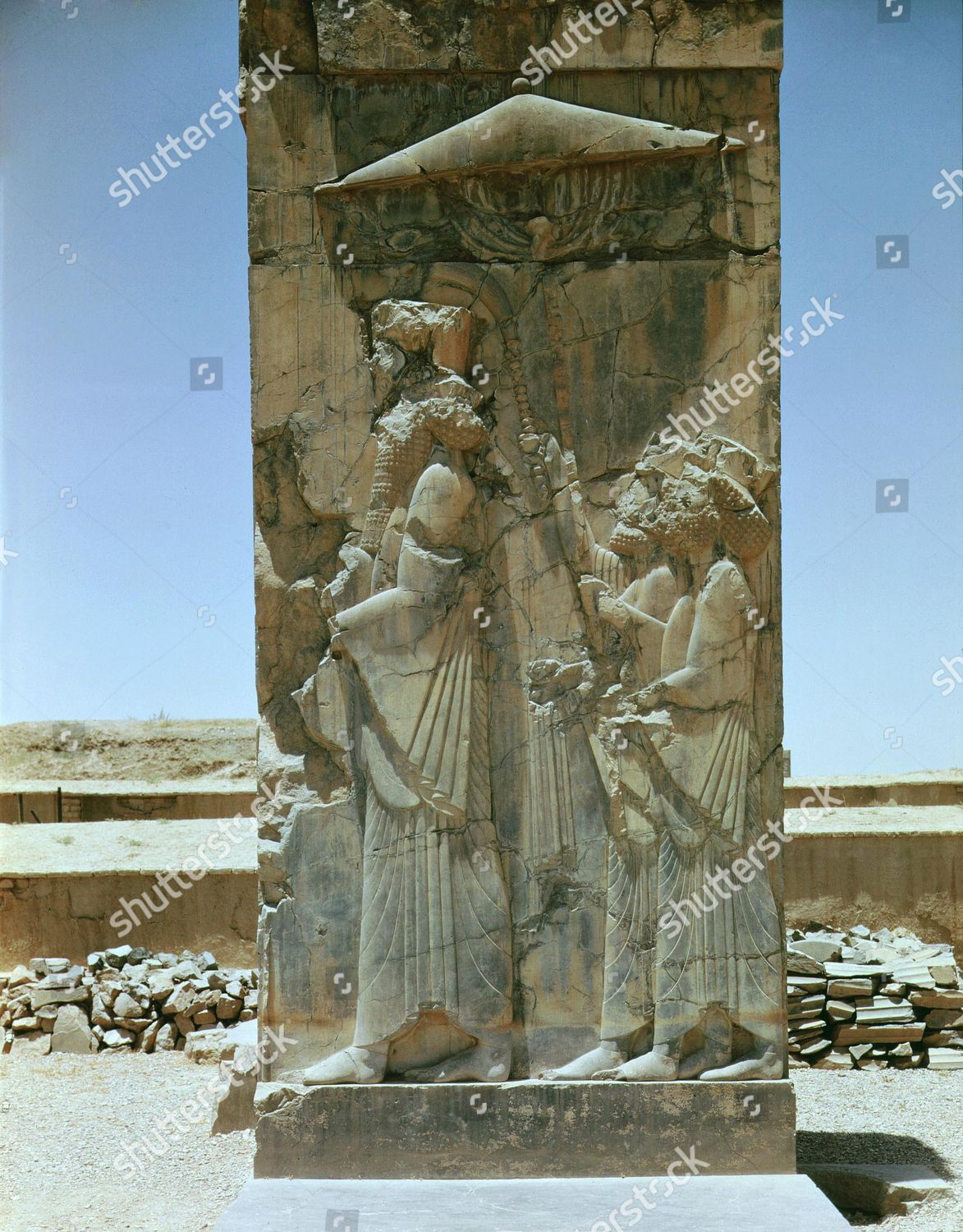 Xerxes I C 519 465 Bc King Of Persia Followed By Two Servants Carrying Parasol And Fly Swats Relief Achaem King Of Persia Photo Stock Images Persian Empire