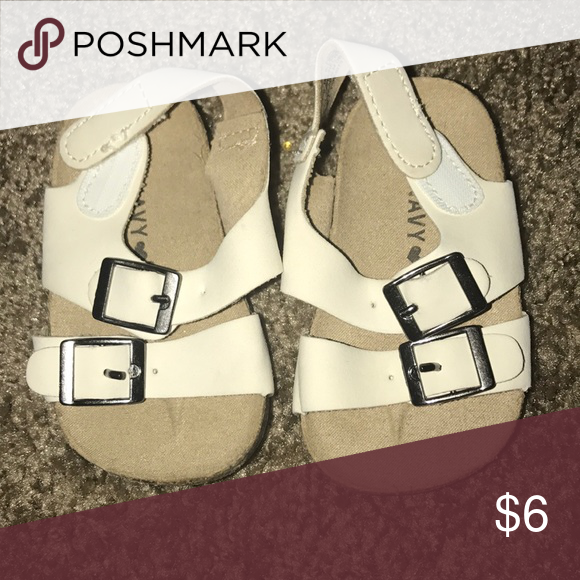Old Navy White Baby Sandals Old Navy White Baby Sandals Size 0 3 Months Old Navy Shoes Baby Walker With Images White Baby Sandals Baby Sandals Navy And White