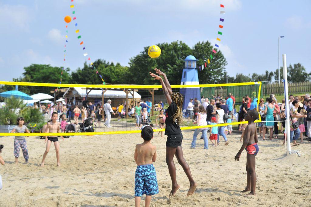 Plus d'info :  http://www.mairie-lille.fr/cms/accueil/sport-loisirs/lille_plage
