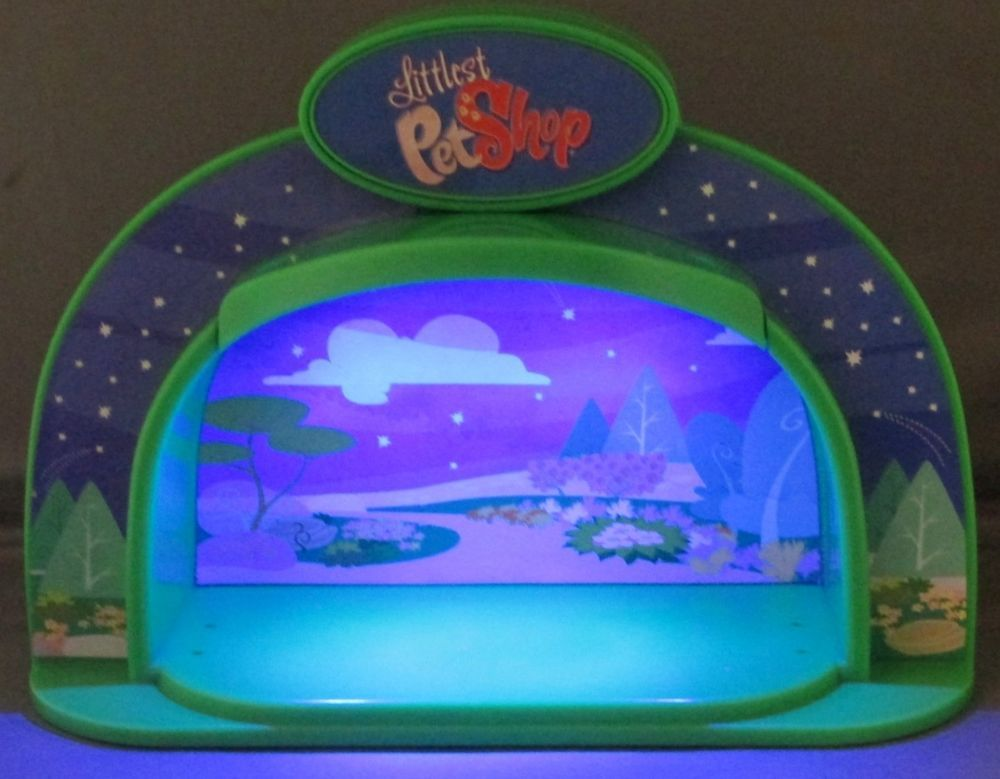 LITTLEST PET SHOP Light Up Stage Moonlight Camping  #Hasbro