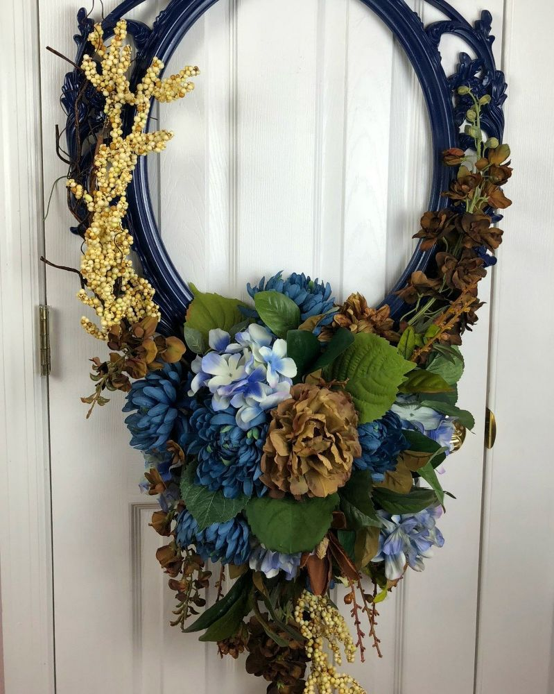 Use a Picture Frame for an Amazing Wreath (With images