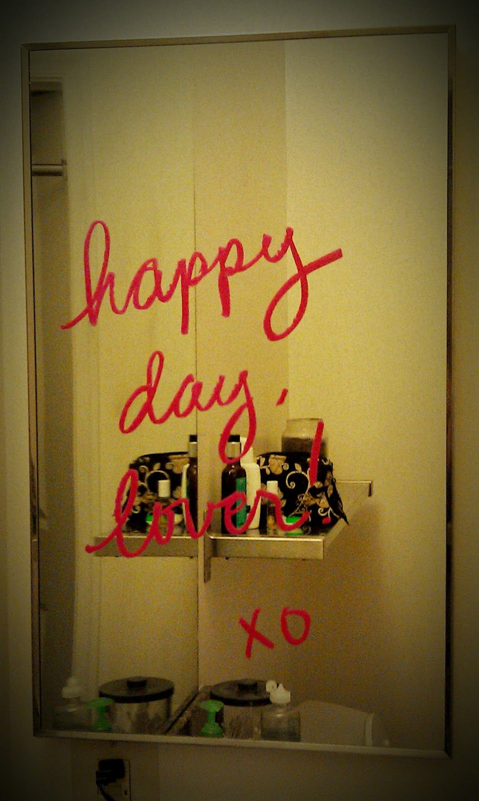 Photos Of Lipstick Writing On Mirrors Ask Com Image