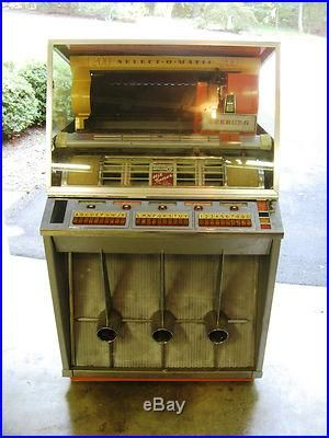 Jukeboxes From The 50s History Rare Vintage Seeburg Kd 200 Jukebox From The 1950 S Jukebox Jukeboxes Great Memories