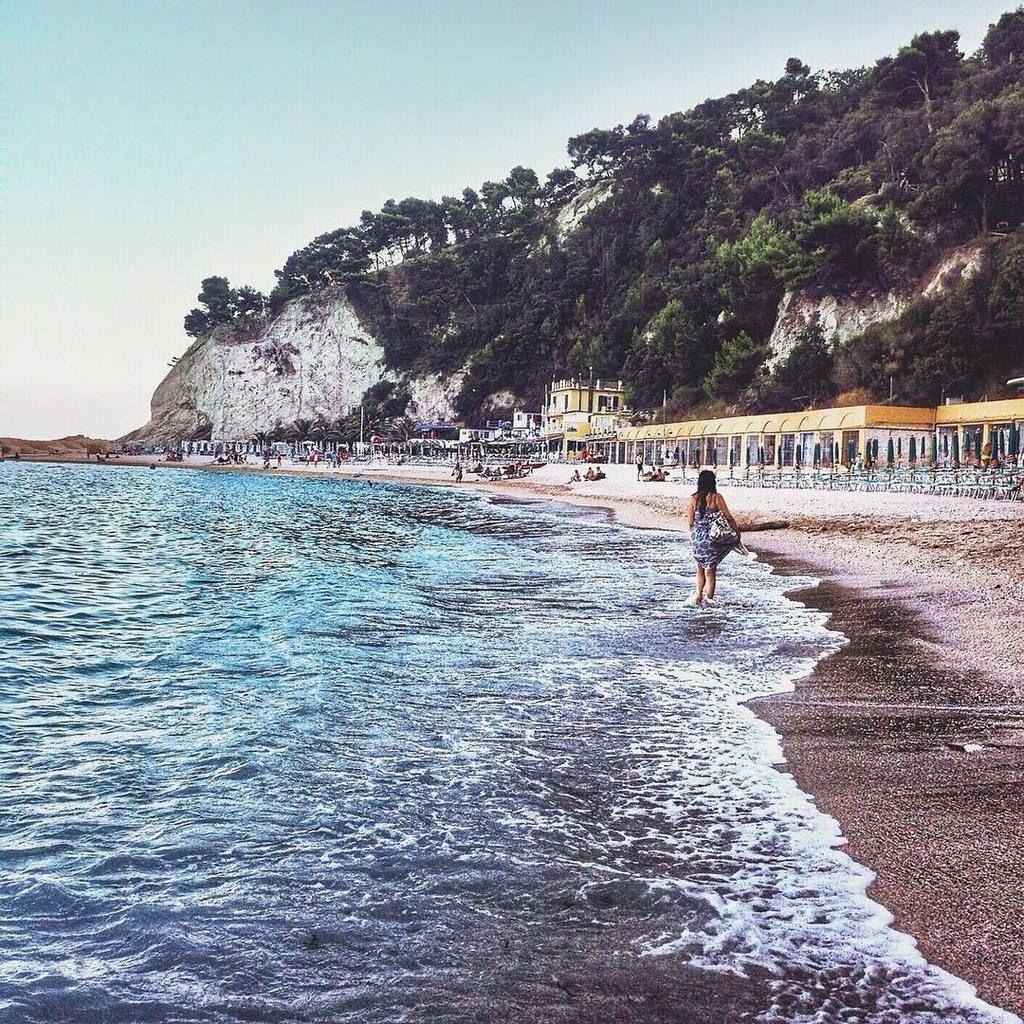 A Walk on The beachSpiaggia Urbani, #Sirolo - #Marche #igersitalia