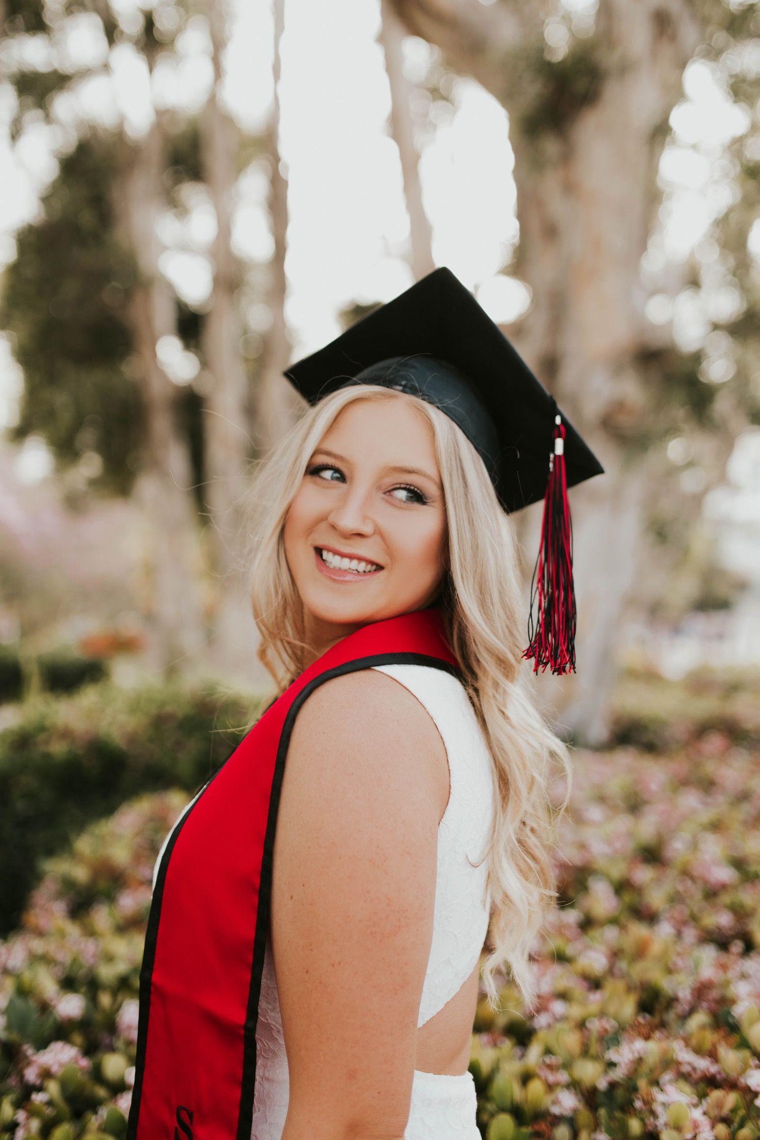 2019 Grads In 2020 Grad Pics Graduation Photoshoot Grad Photos