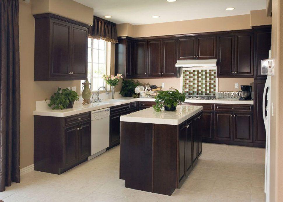 Kleine Küche Mit Dunklen Schränke Design Bescheiden - Küchenmöbel - küchenmöbel für kleine küchen