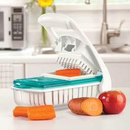 Use Munchkin's Fresh Food Chopper & Steamer to prepare all your homemade snacks. #weePLAN