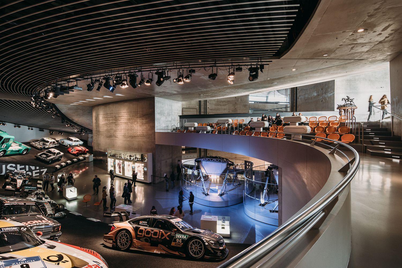 Gallery Of Mercedes Benz Museum Unstudio 14 Car Showroom Design Museum Architecture Car Showroom Architecture