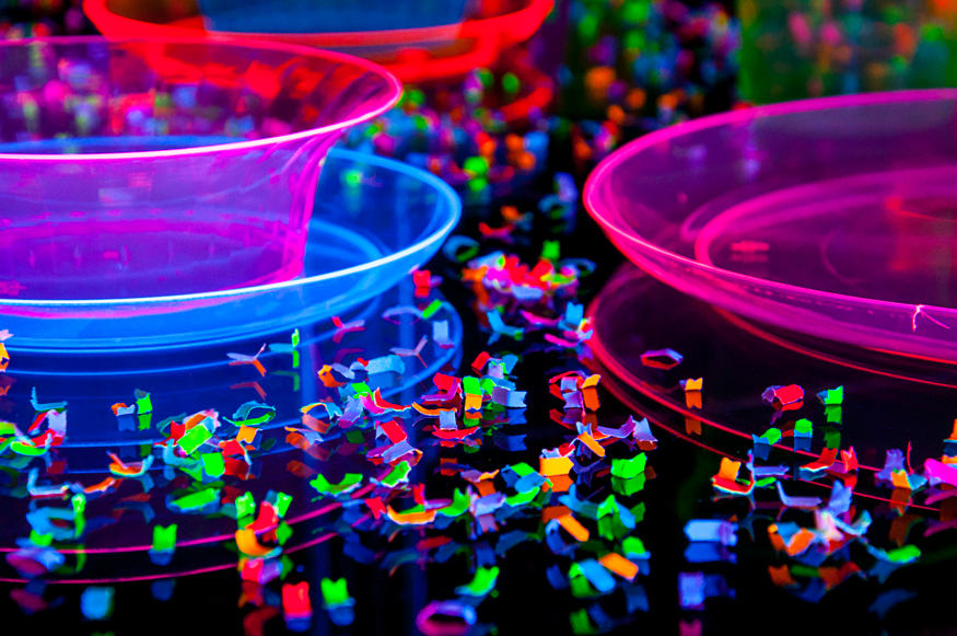 halloween decorations blacklight confetti who wouldve guessed